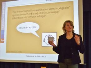 Schulpsychologin und Kommunikationsexpertin  Susanne Frankenberg führte kompetent durch den Abend.