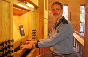 An der Orgel spielte Raimund Hagemann in der Meppener Kirche.
