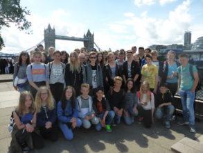 Schüler des WGM vor dem Tower of London