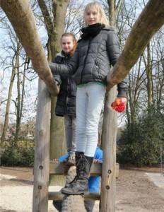 Gleichgewichtssinn und Kletterkünste können die Schüler nun auf dem Schulhof trainieren.